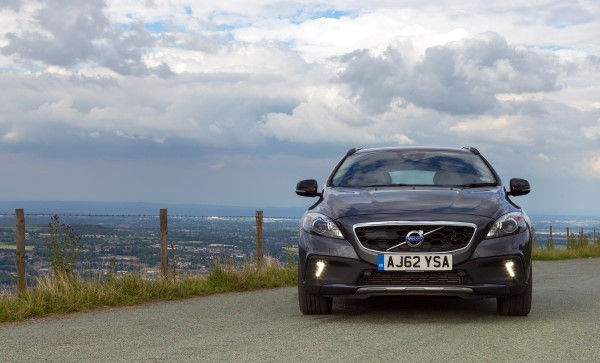 Volvo V40 Cross Country Review Top Gear >> Volvo V40 Cross Country - Full UK Review | carwow