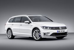 Volkswagen's next-generation Passat GTE plug-in hybrid revealed