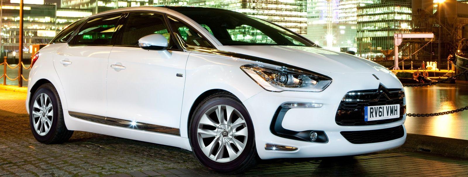 10 best hybrid cars on sale in the uk carwow. Black Bedroom Furniture Sets. Home Design Ideas