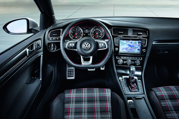 vw golf mk7 gti gtd what to expect expert advice carwow. Black Bedroom Furniture Sets. Home Design Ideas