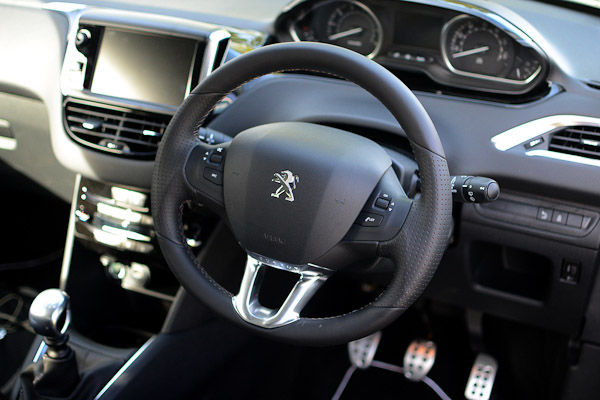 Peugeot 208 GTI Rear Dashboard