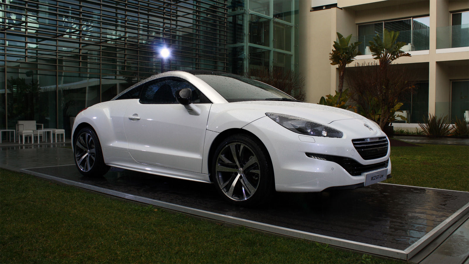 peugeot adds sporting gt line specification | carwow