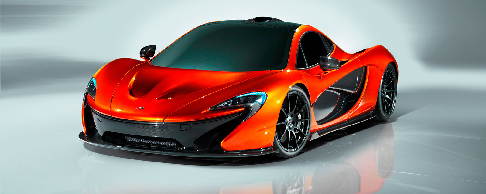 Car paint colour - This Colour Is Offered Across Mclaren S Range But When Matched With Its Craziest Hypercar The P1 You Can T Help But Look At It