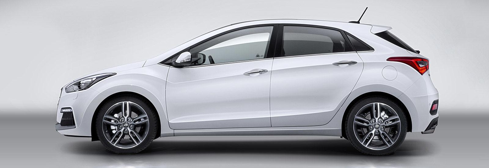 Hyundai i30  Tourer sizes  dimensions guide  carwow