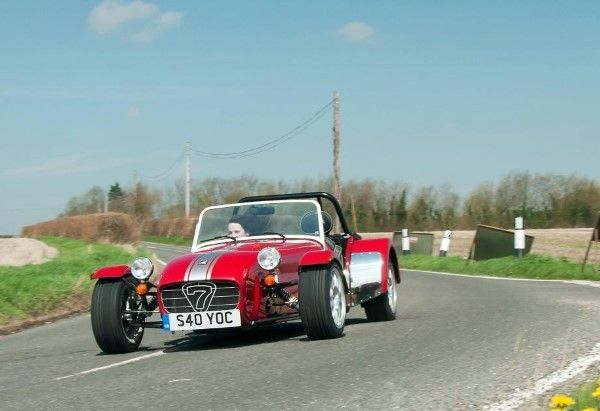 Caterham Seven 40 driving