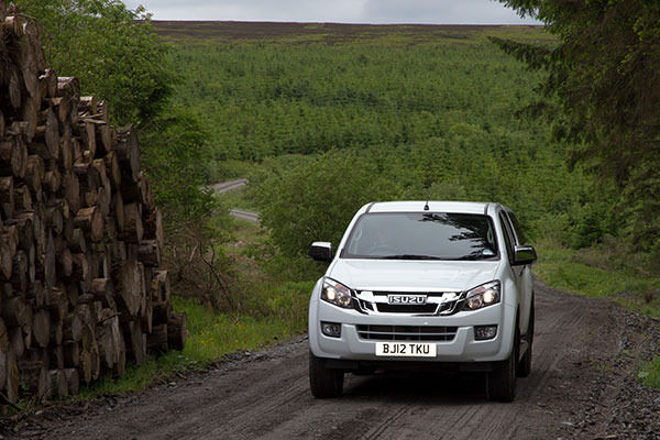 D-Max Front On