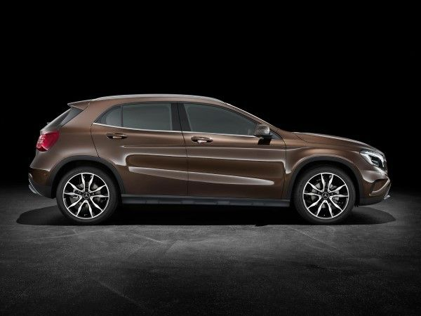 Mercedes GLA side view
