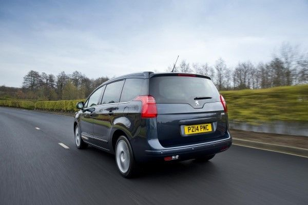 Peugeot 5008 rear driving