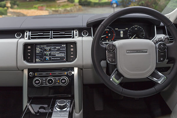 Range Rover 2014 Driving
