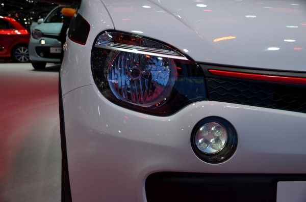 Renault Twingo headlights