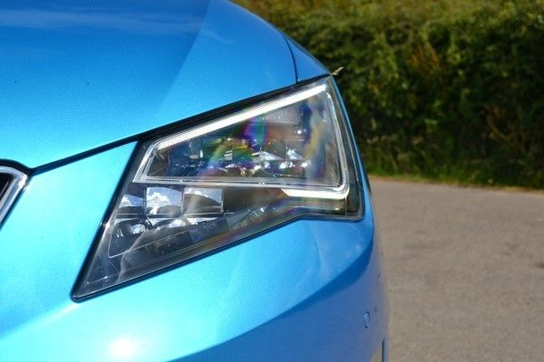 SEAT Leon SC FR headlight