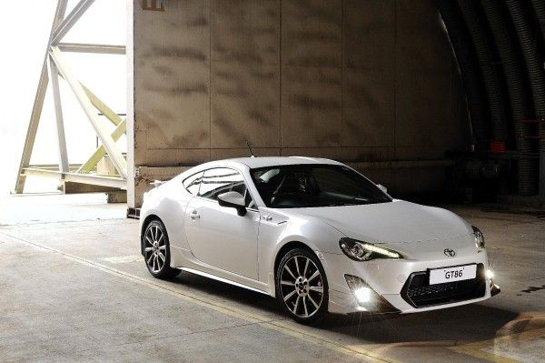 Toyota GT86 TRD front angle