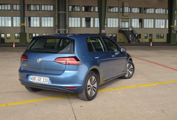 Volkswagen e-Golf rear angle