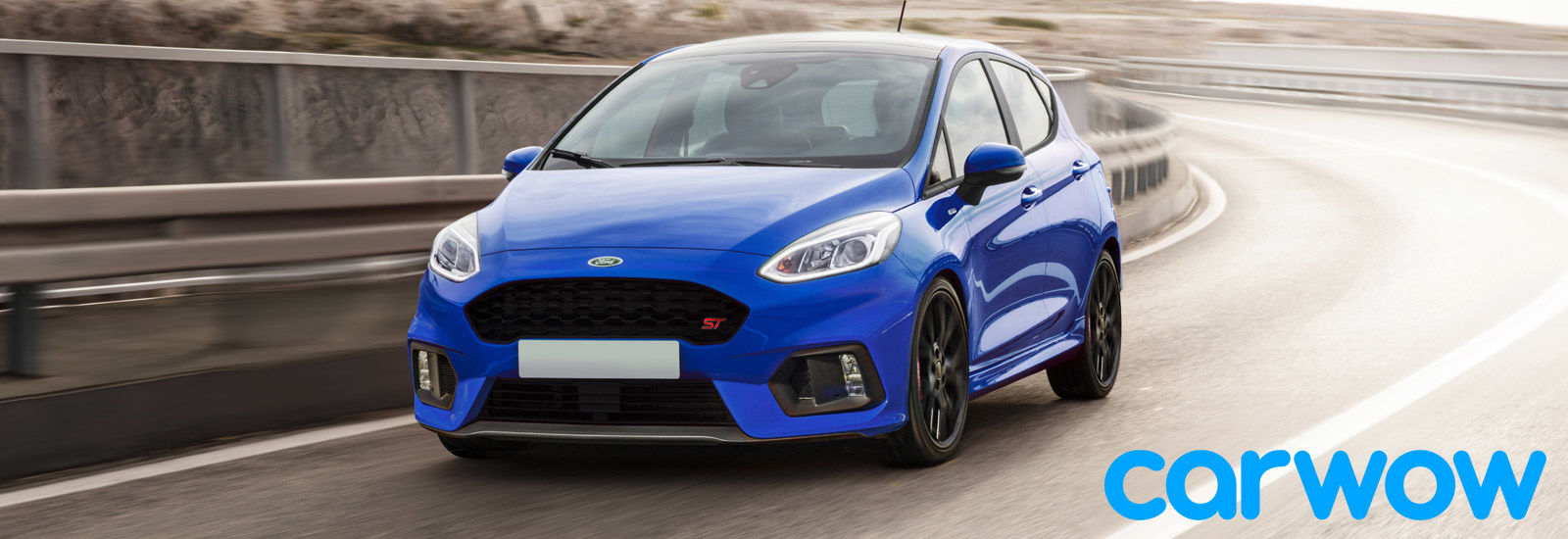 You can expect the new fiesta st to be available in some eye catching paint schemes and to arrive showing off an aggressive body kit with ground hugging