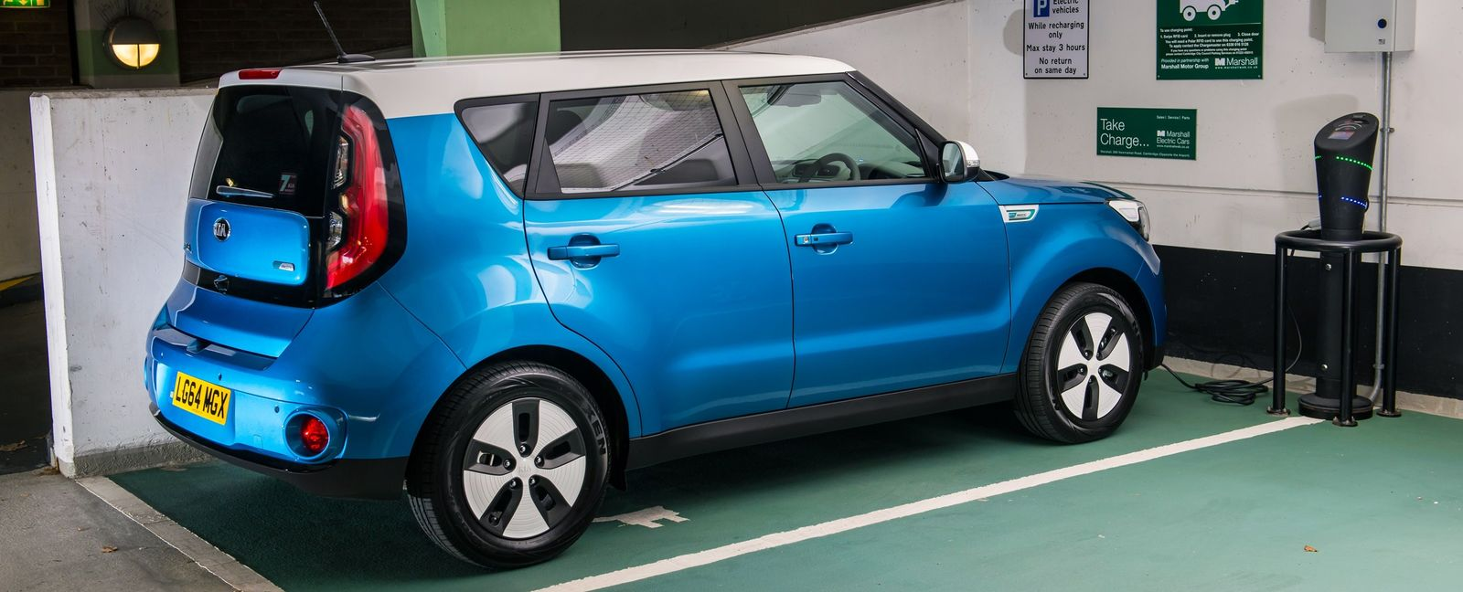 kia soul ev real world electric range tested and video carwow. Black Bedroom Furniture Sets. Home Design Ideas