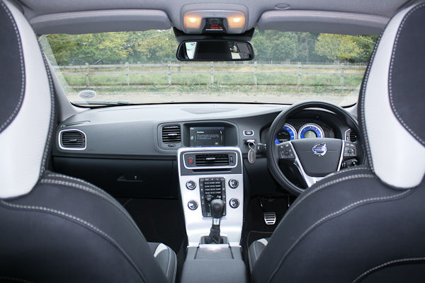 Volvo V60 R-Design Interior