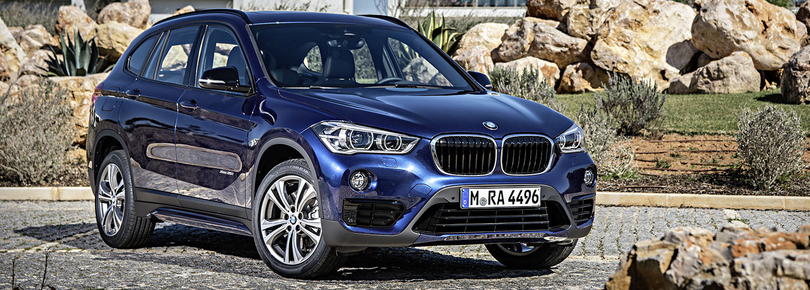 bmw x1 sizes and dimensions guide carwow. Black Bedroom Furniture Sets. Home Design Ideas