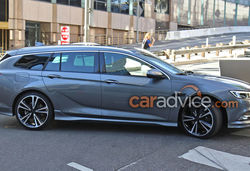 Vauxhall insignia grand sports tourer estate lead