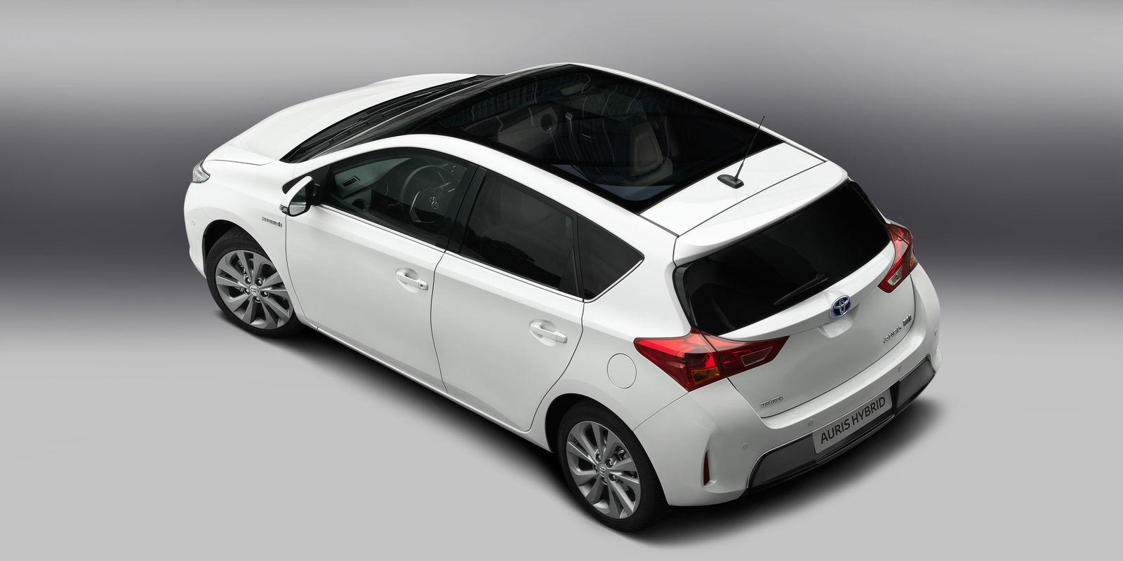Toyota Auris Review Amp Deals Carwow