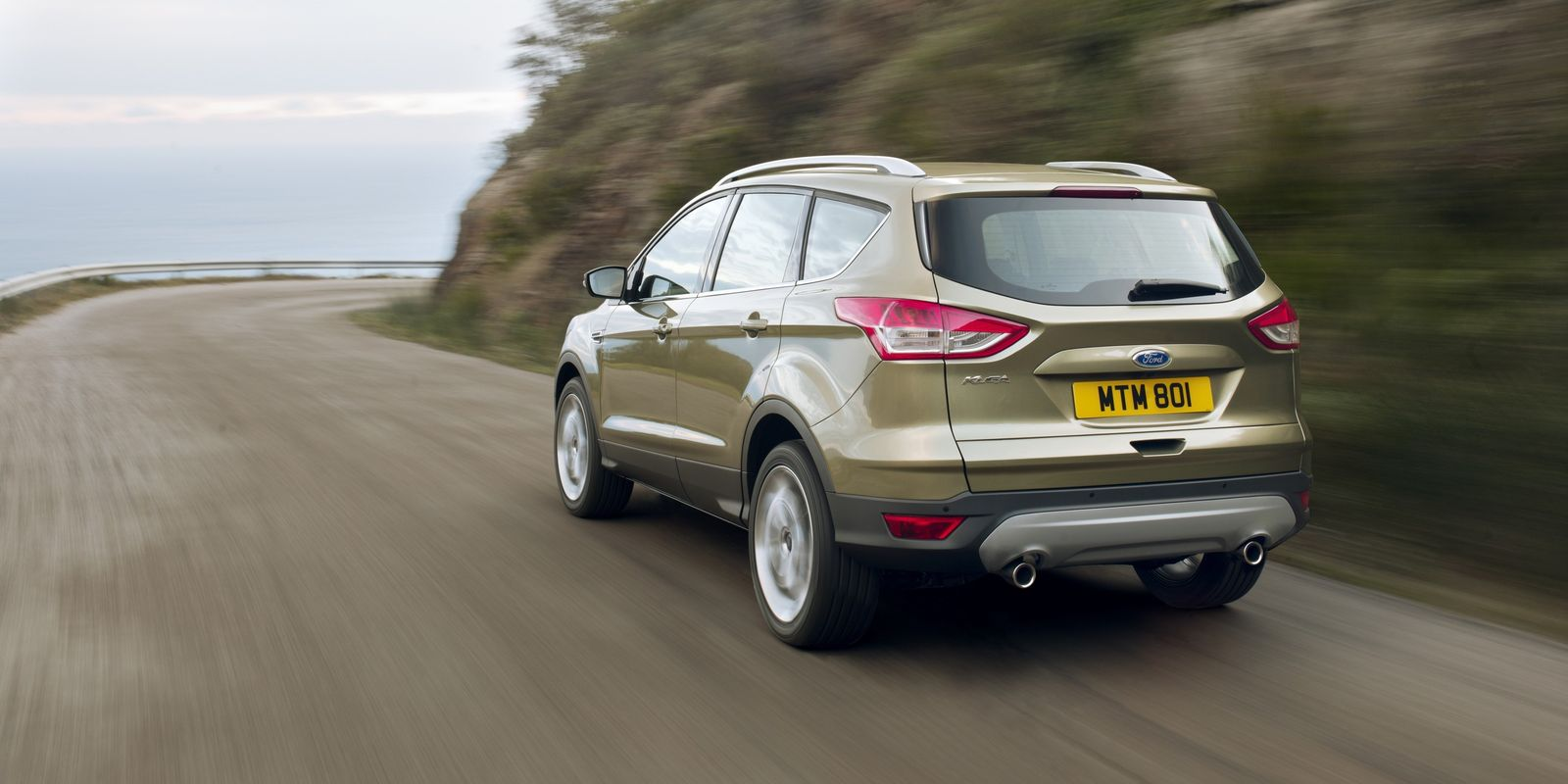 the motoring world the ford kuga has it 39 s best year ever beating 2014 by 35 and three times. Black Bedroom Furniture Sets. Home Design Ideas