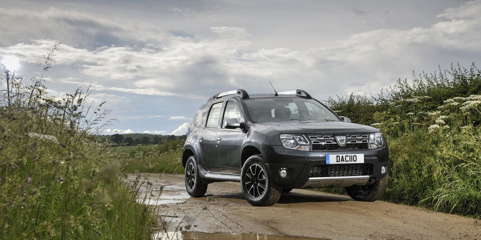 dacia duster review carwow. Black Bedroom Furniture Sets. Home Design Ideas