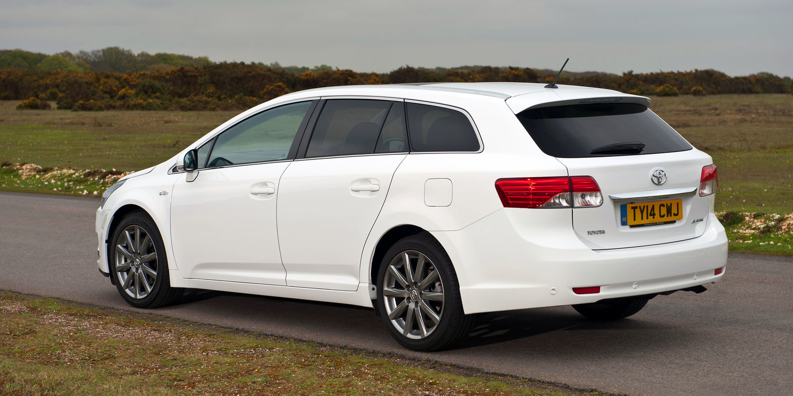 Toyota Avensis Tourer Review Toyota Uk News Reviews Html