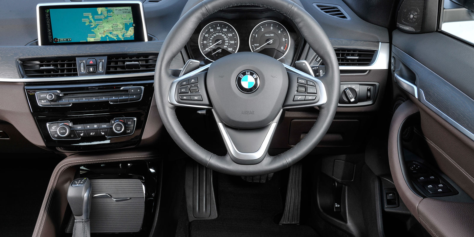 bmw x1 review carwow. Black Bedroom Furniture Sets. Home Design Ideas