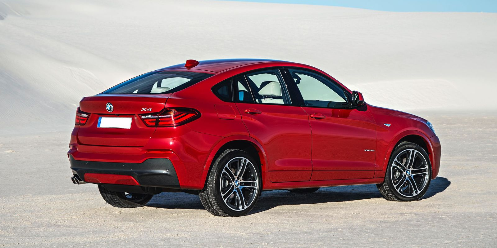 bmw x4 review carwow. Black Bedroom Furniture Sets. Home Design Ideas